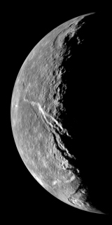 (Satélite Natural) Titânia Titania_3_thmb